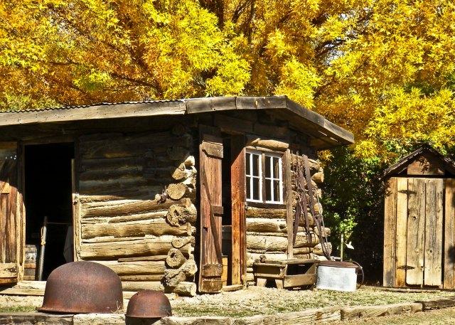 7-aztec-m-pioneer-village-hamblet-cabin